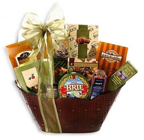 Alder-Creek-Christmas-In-Wine-Country-Holiday-Gift-Basket-0