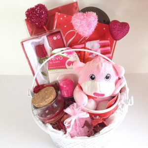 GIFT BASKET PINK RED GIRLY FRIEND YOUNG LOVE GIRLFRIEND TEEN ANYTIME BIRTHDAY