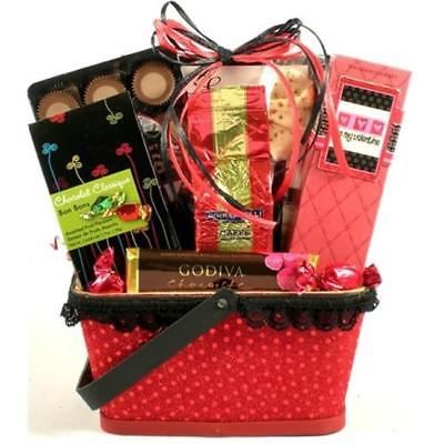 Gift-Basket-Village-XsOs-Xaposs-and-Oaposs-Valentines-Day-Gift-Basket-0