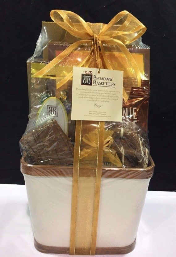 Gourmet-Gift-Basket-Baskets-Towers-Nuts-Candy-Chocolate-Broadway-RC-0